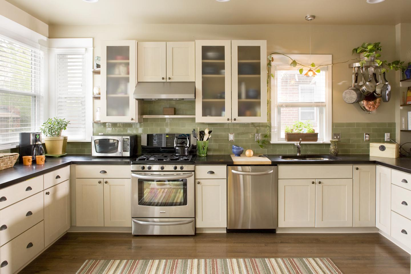 Berkeley backyard addition classic homeworks for Avocado kitchen cabinets